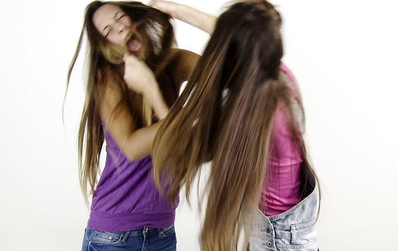 دیه کندن موی سر زن