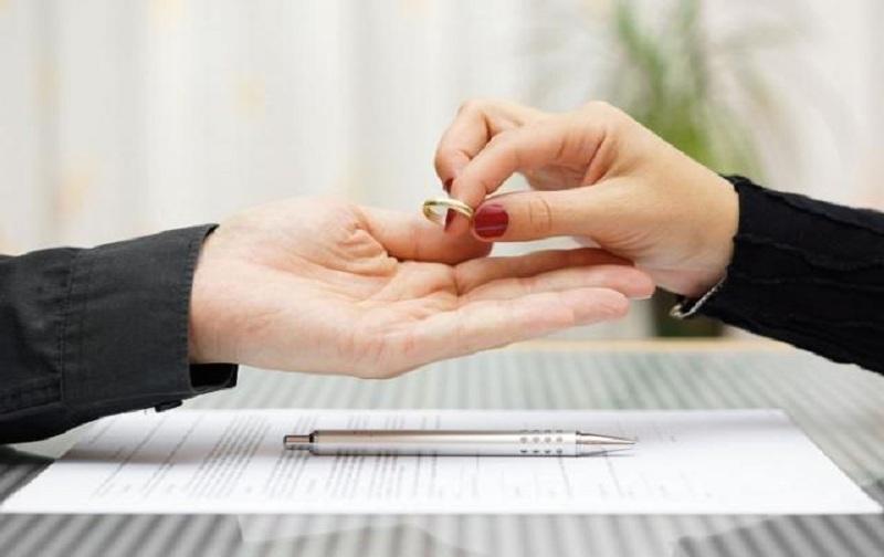 طلاق از طرف زن و موارد آن