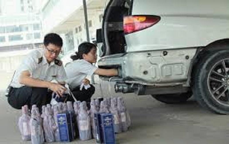 مجازات حمل و نگهداری مشروبات الکلی در ماشین