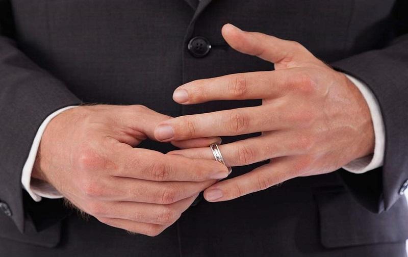 طلاق غیابی از طرف مرد